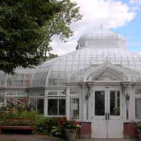 Photo taken at Westmount Greenhouse by Frédéric R. on 8/19/2014