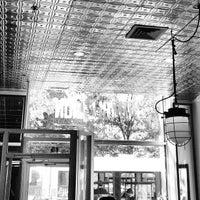 Das Foto wurde bei Café Humble Lion von Frédéric R. am 5/30/2013 aufgenommen