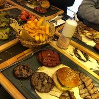 4/20/2018 tarihinde Emrah D.ziyaretçi tarafından Daily Dana Burger & Steak'de çekilen fotoğraf