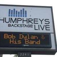 Das Foto wurde bei Humphreys Backstage Live von Wendy S. am 6/15/2016 aufgenommen