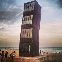 Foto tirada no(a) Praia da Barceloneta por Vladimir P. em 6/29/2013