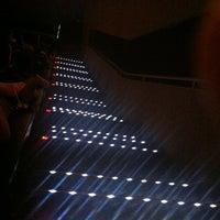 Foto tirada no(a) GNC Cinemas por Mario d. em 10/27/2012