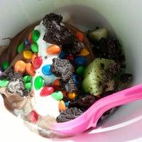 Photo taken at Lets Spoon Frozen Yogurt by Ra R. on 4/5/2014