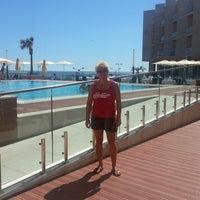 Foto tirada no(a) Real Marina Hotel & Residence por Philip J. em 7/23/2013