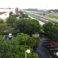 Das Foto wurde bei Hampton Inn & Suites Miami-Doral/Dolphin Mall von Jamil C. am 7/17/2013 aufgenommen