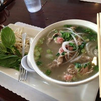 Photo taken at PHO Banh Mi & Che Cali by Annie A. on 12/23/2012
