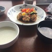 Photo taken at 中国家庭料理 墨花居 成城コルティ店 by Takahashi N. on 4/22/2017