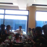 Photo taken at Bakahan At Manukan by 2pherman on 3/30/2015