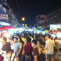 Photo taken at Wualai Saturday Nightmarket by Ruampol P. on 1/5/2013