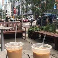 Das Foto wurde bei Pavement Coffeehouse von Leena H. am 7/25/2017 aufgenommen