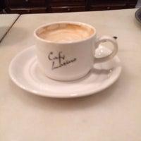 Foto tomada en Café Latino por Pedro C. el 12/1/2013