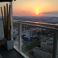 Photo taken at Aureole Fusion Restaurant & Lounge by Luca R. on 7/27/2013