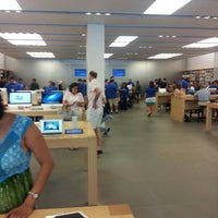 Photo taken at Apple The Westchester by Mansaf O. on 7/6/2013