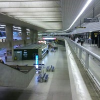 Photo taken at Aeroporto Internacional de Confins / Tancredo Neves (CNF) by Vinicius G. on 4/10/2013
