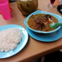 Photo taken at L.K Maju Restaurant by burhan2184 on 12/5/2014
