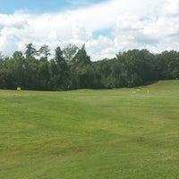 Photo prise au Charlie Yates Golf Course par KRick ★. le9/6/2014