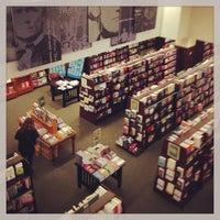 Foto tirada no(a) Barnes & Noble por Jonathan I. em 5/19/2013