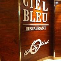 Das Foto wurde bei Ciel Bleu Restaurant von Jeroen V. am 10/8/2012 aufgenommen