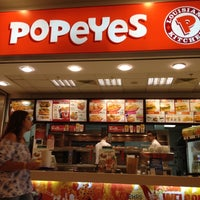 Photo taken at Popeye's by Kursat Ö. on 10/22/2012