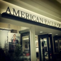 Photo taken at American Eagle Outfitters by Steve H. on 10/18/2012