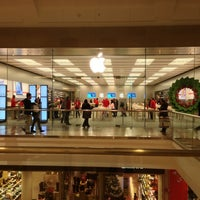 photo taken at apple garden state plaza by tom d on 1217 - Apple Store Garden State Plaza