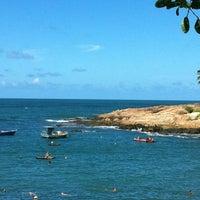 Foto tirada no(a) Praia de Calhetas por Thiago N. em 1/11/2013