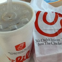 Photo taken at Chick-fil-A Menlo Park Mall by JC D. on 3/27/2013