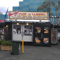 Photo taken at Harry's Cafe de Wheels by Colin N. on 12/17/2012
