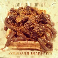 Photo taken at Empório Brownie by Melqui M. on 4/17/2015