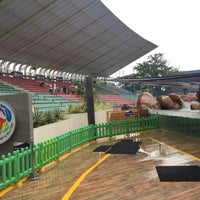 Photo taken at Acquatica - Sea Lion Show by Enchong R. on 7/29/2016