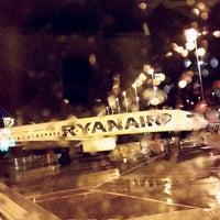 Photo taken at Ryanair Flight FR4523 CRL-BGY by Matheo🔱 C. on 3/31/2015