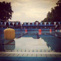 Photo prise au London Fields Lido par Toby C. le9/29/2013