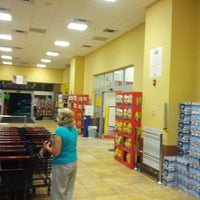 Photo taken at Giant Eagle Supermarket by Gary T. on 6/13/2013