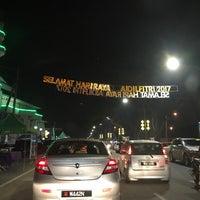 Photo taken at Taman Dato' Harun by Muhamad Zarul I. on 6/23/2017