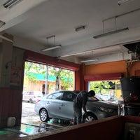 Photo taken at Autoglym Autoglaze Detailing Car Wash by Muhamad Zarul I. on 11/8/2016