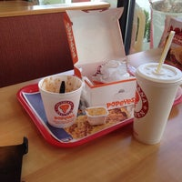 Photo taken at Popeyes Chicken & Biscuits by Daton F. on 6/19/2014
