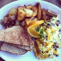 Photo taken at Cafe La Taza by Ashley V. on 1/12/2013