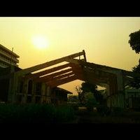 Photo taken at King Mongkut's University of Technology Thonburi (KMUTT) by Nutthawat S. on 2/5/2013