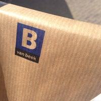 Photo prise au Van Beek Art Supplies par Buzz A. le4/1/2014