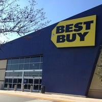Photo taken at Best Buy by Felipe I. on 2/22/2013