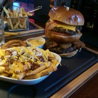 Photo taken at T.G.I. Friday's by Martin S. on 8/30/2015