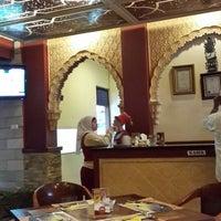 Photo taken at Restaurant Abunawas by Kusnadi S. on 4/16/2014