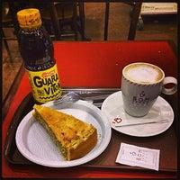 Foto tirada no(a) Bom Senso Café por Vitor F. em 7/15/2013