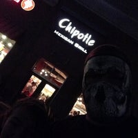 Photo taken at Chipotle Mexican Grill by Lee N. on 1/13/2013