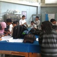 Photo taken at Lab Material & Struktur, Unand by Nur Taufiq Budi A. on 12/14/2012