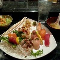 Das Foto wurde bei Kaze Sushi and Hibachi Restaurant von Jermal S. am 10/20/2015 aufgenommen