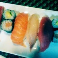 Photo taken at Restaurante Japonés Zakuro by Navarro A. on 12/22/2013