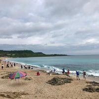 Photo taken at 白沙灣 Baishawan Beach by Mary L. on 11/6/2017