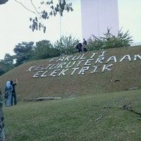 Photo taken at Universiti Teknologi Malaysia (UTM) by Amirul H. on 10/16/2012