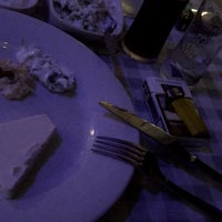 Foto tomada en Samos Tavern Restaurant por Özgür G. el 9/30/2018